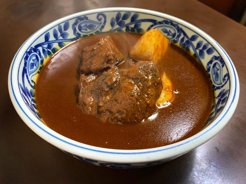 上野店 金曜日のカレー「牛ほほ肉のビーフカレークラシック」